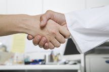 Handshake-With-Doctor