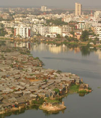 riverside_slum_in_bangladesh